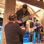 Vernissage de l'album Premium Selection: The secret of the oil box guitar... Photo: Karin